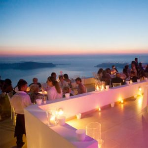 Do i choose an independent destination wedding planner or a resort planner