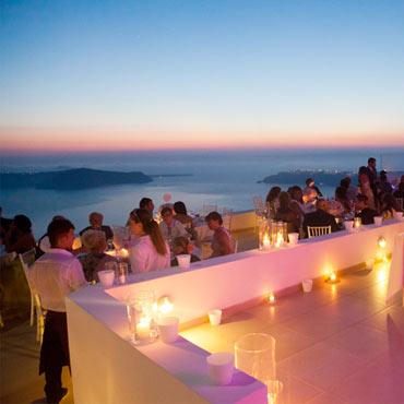 Do i choose an independent destination wedding planner or a resort planner